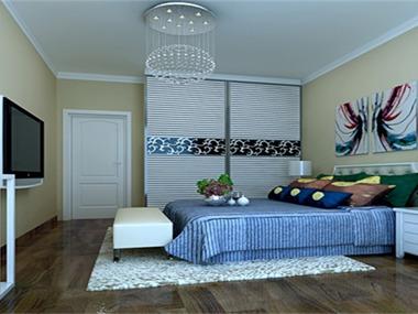 在整个的设计过程中,以简约作为基调,客厅的电视墙上