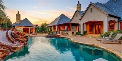 社交女皇赛琳娜出售美国泳池豪宅 原来白富美的家是这样!