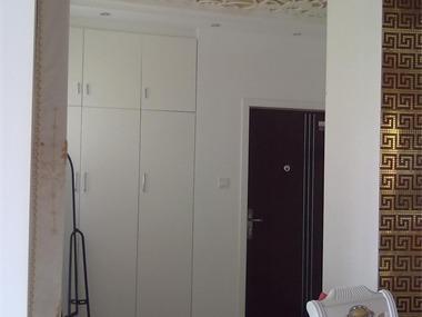 u00091,本案将厨房和公卫连通,在空间上使一部